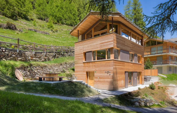 Chalet Black Pearl in Saas-Fee